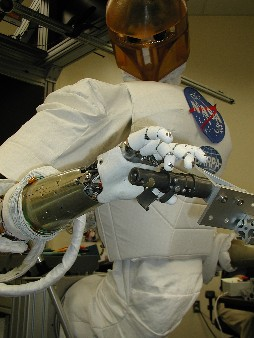 Robonaut Performs Hubble Space Telescope Repair Tasks